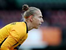 Captain Sari van Veenendaal niet met backpack, maar met Oranje op weg naar Australië
