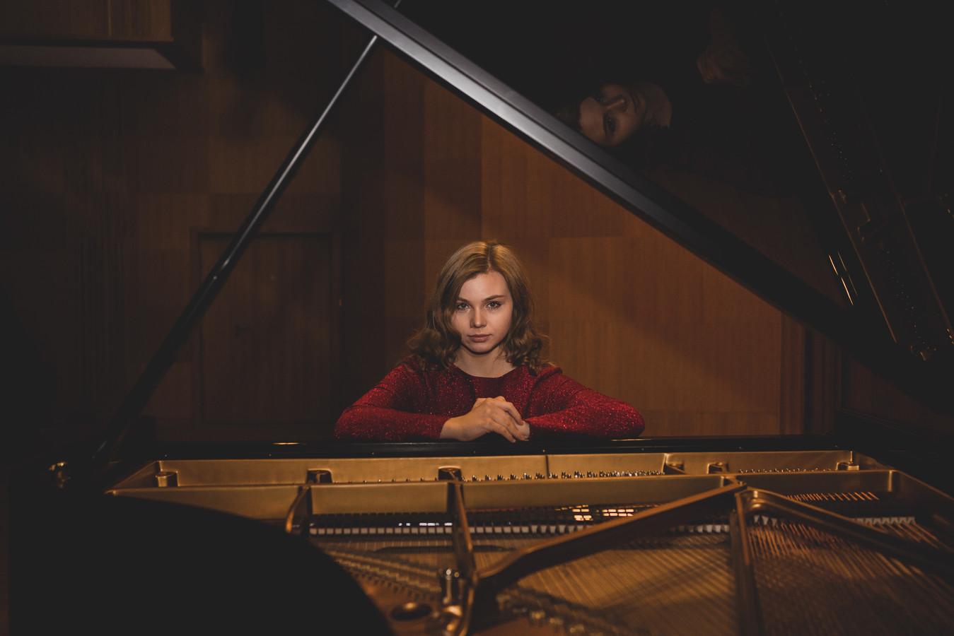 De Poolse Kamila Sacharzewska is één van de prominente deelnemers.