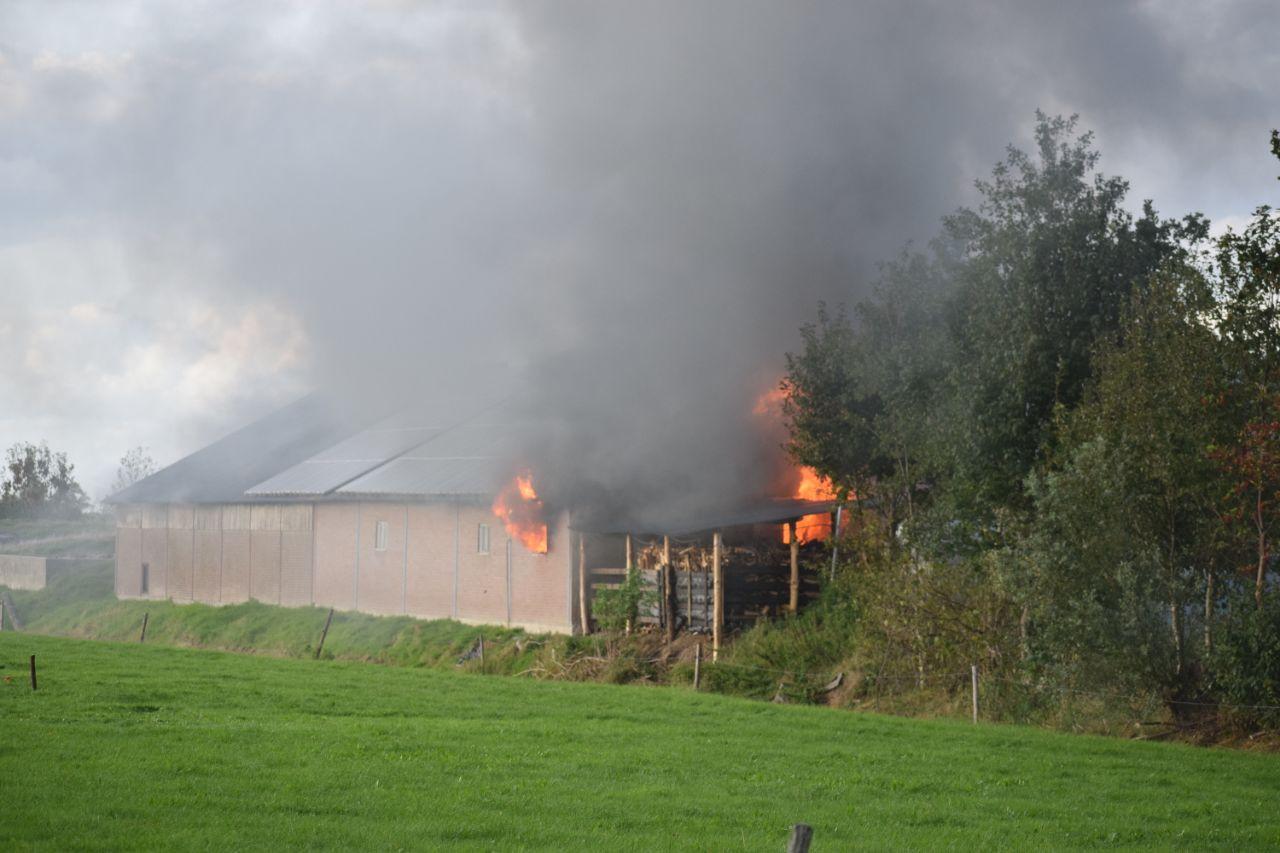 Brand in kaasboerderij in Blesdijke.