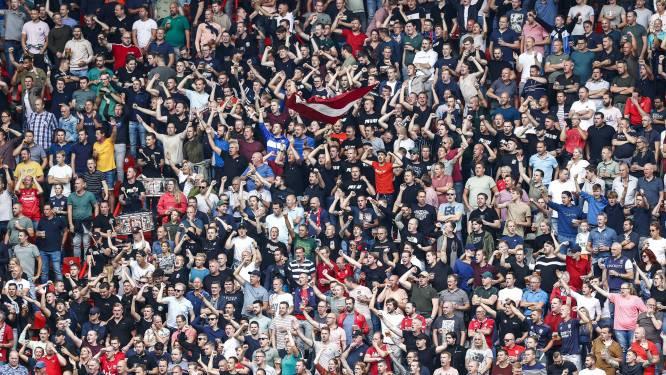Politie bedankt fans FC Twente na reanimatie in Nijverdal: 'Het gaat goed met de man'