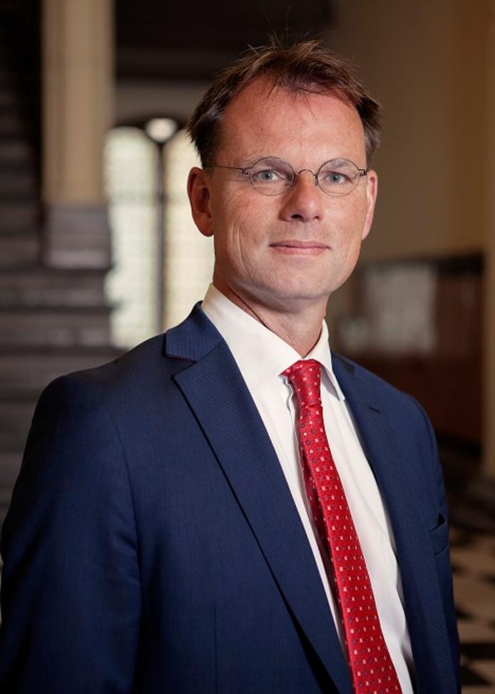 Rechter Geert Lycklama à Nijeholt.
