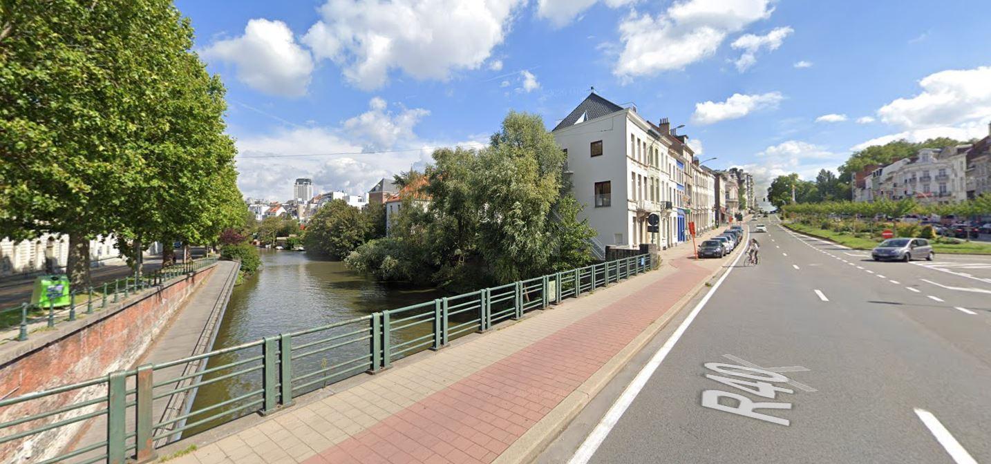 De Jan Palfijnbrug, aan de IJzerenweg.