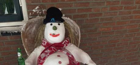 Dit bedrijf gaf personeel ijsvrij onder één voorwaarde: iedereen moet een sneeuwpop maken