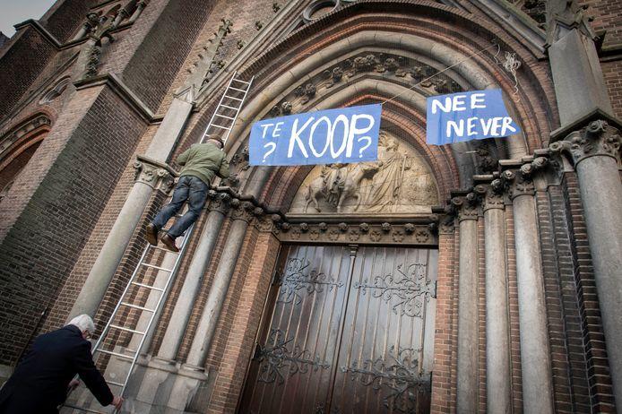 Een protestactie tegen de sluiting van de St. Jozefkerk, begin 2020.