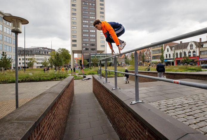 Eindhoven - Tijdens de Nationale Sportweek kunnen mensen kennismaken van tal van sporten. Zo ook freerunning