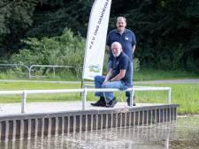 Lastig vissen in een rolstoel? Op dit speciale plateau in Wierden niet