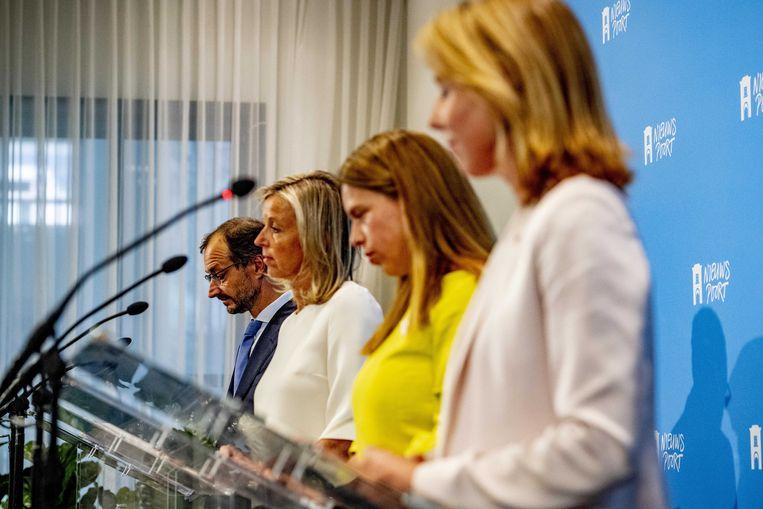 De ministers Eric Wiebes, Carola Schouten en Kasja Ollongren en Stientje van Veldhoven tijdens de presentatie van het Klimaatakkoord op een persconferentie, 28 juni 2019. Beeld ANP