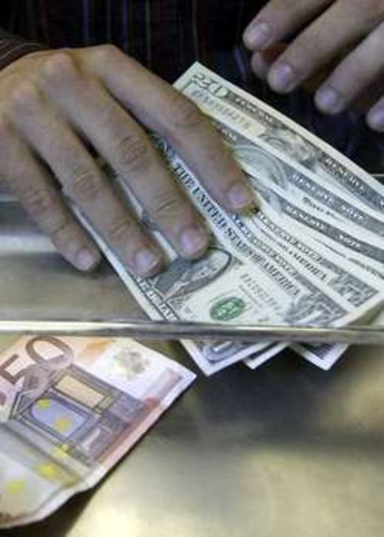 De dalende koers van de dollar is een verklaring voor de stijging van het aantal dollarmiljonairs. Beeld UNKNOWN