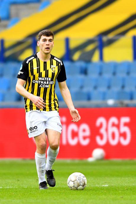 Eerste deal Vitesse: Rasmussen blijft nog een jaar op huurbasis bij eredivisieclub uit Arnhem