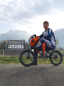 Niek Kimmann op de BMX-baan van het UCI-centrum in het Zwitserse Aigle, waar hij een half jaar op trainde als voorbereiding op de Spelen.