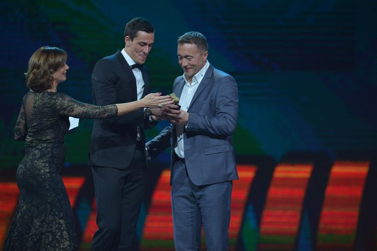 Lovre Kalinic kreeg de trofee uit handen van Branko Strupar.