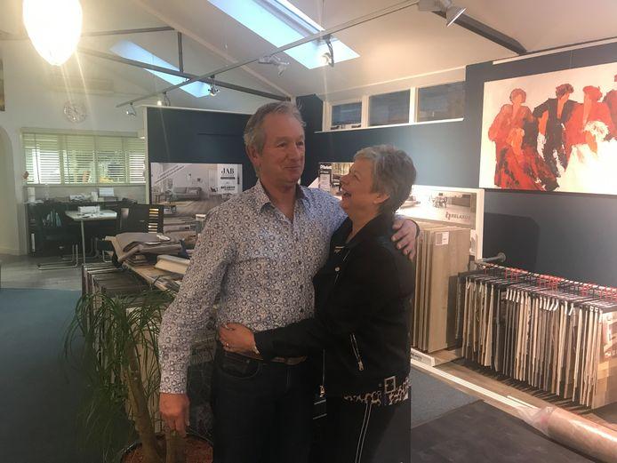 Sjef en Janneke Coolen in hun eigen zaak Sjef Coolen interieur.