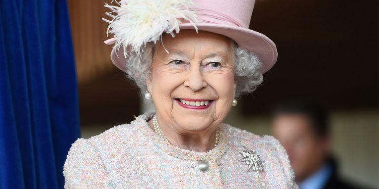hoe-leuk-koningin-elizabeth-brengt-haar-eigen-gin-uit.jpg