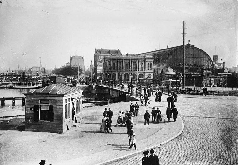 Café Zincken, in 1884 geopend aan de westkant van het Centraal Station. Beeld