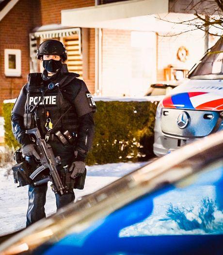 Drietal van cocaïnehuis in Veldhoven drie maanden langer vast; ergernis over sluiting van woning door gemeente