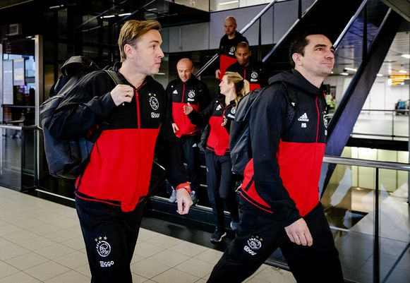 Richard Witschge (links) is oud-speler van Ajax.