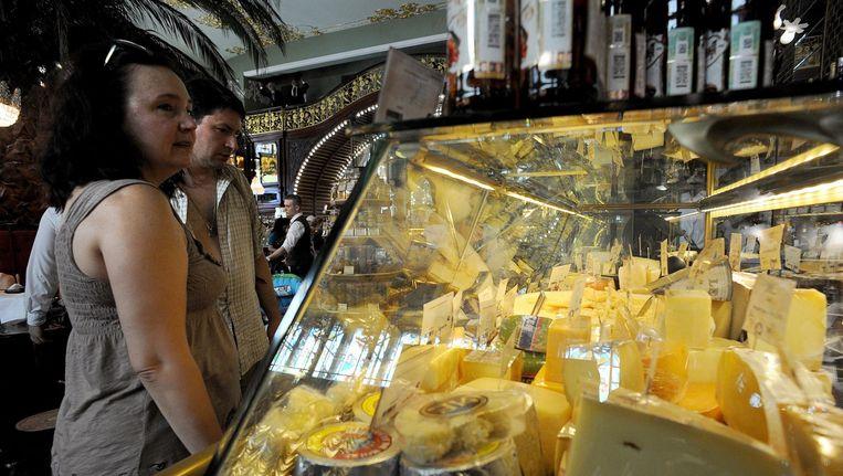 Camembert, Edammer en Cheddar dreigen door de voedselboycot uit Rusland te verdwijnen. Beeld afp