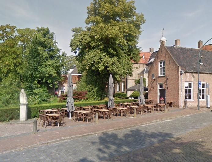 Vandalen slopen terras van restaurant heuvel 11 in oosterhout oosterhout for Lay outs terras van het restaurant
