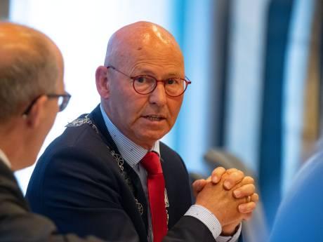 Angst voor spionage: burgemeester van Kampen zet telefoon uit tijdens Hanzedagen in Rusland