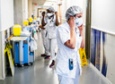 Beeld ter illustratie. Ziekenhuizen, zorgverleners in de eerste lijn en collectieve zorginstellingen starten parallel met vaccineren in februari.