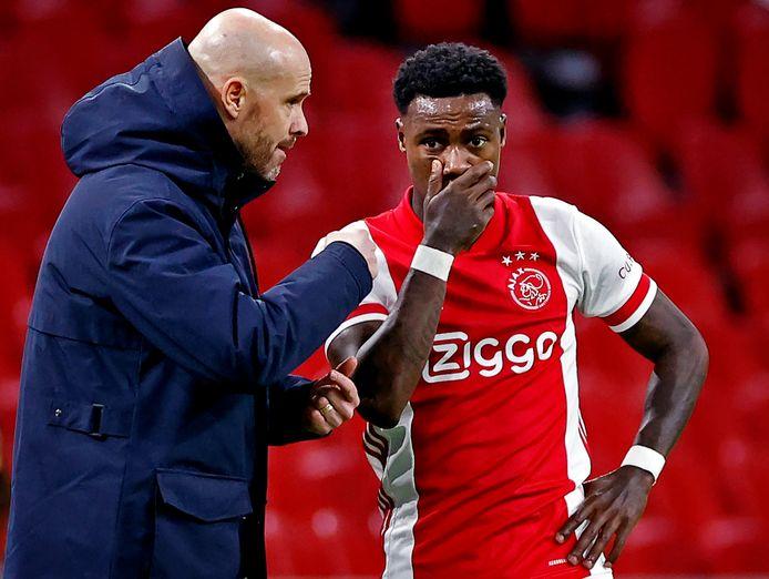 Ajax-coach Erik Ten Hag wil Quincy Promes niet kwijt.