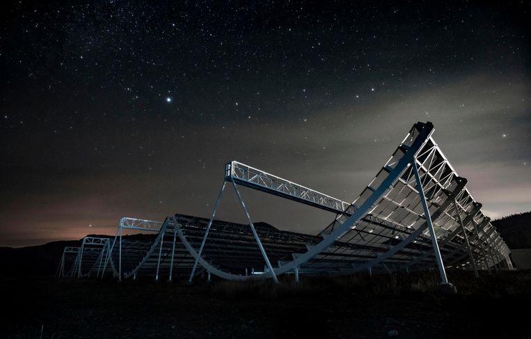 De Chime-radiotelescoop in Canada waarmee de mysterieuze flits werd ontdekt. Beeld AP
