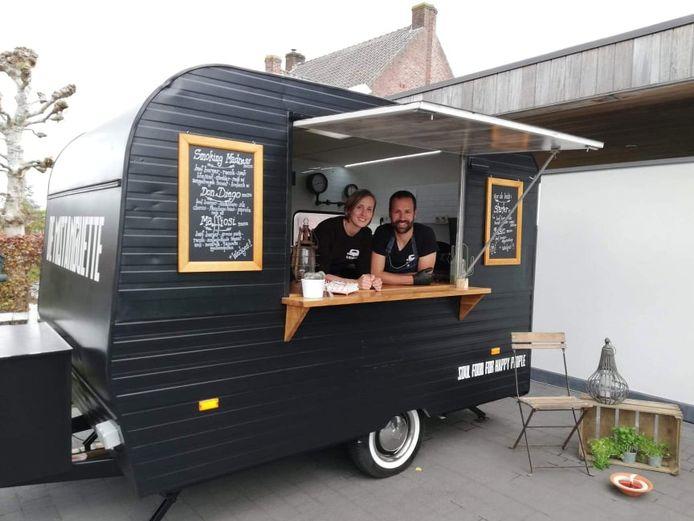 Kim De Hauwere en Tom Maes zijn elke twee weken te vinden op de Grote Plaats in Lebbeke met hun Mistanguette.