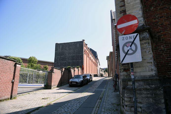 Wielertoeristen die officieel WK parcours in Leuven volgen, krijgen een boete als ze Sint-Antoniusberg opfietsen.