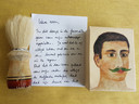 Herinneringsdoos Zeeuws Verlies, scheerkwast met zeep en begeleidend briefje.