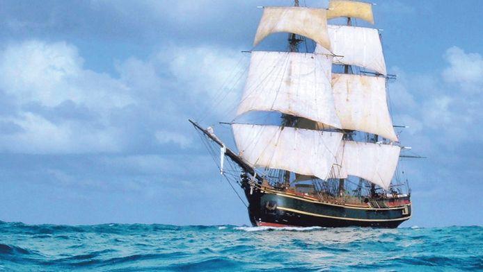 De HMS Bounty in betere tijden. Orkaan Sandy verwoesste de replica, gebouwd voor de film 'Mutiny on the Bounty'.