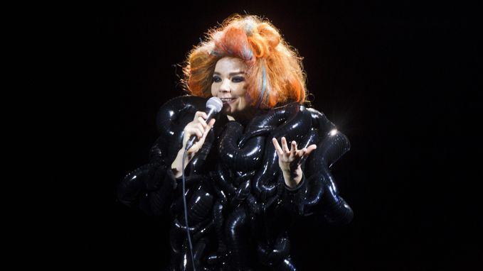 """Björk: """"Ook ik werd seksueel geïntimideerd"""""""