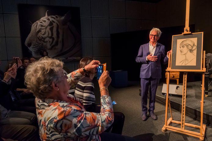 Wim Willems bij de opening van de expositie
