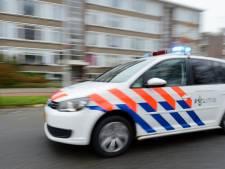 Man (29) onder dreiging van vuurwapen beroofd van auto in West
