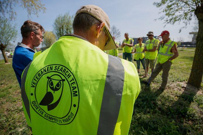 Etten-Leur - 21-4-2018 - Foto: Marcel Otterspeer / Pix4Profs - Zaterdag oefende het Veteranen Search Team bij de Westpolderplas in Etten-Leur.
