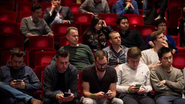 Publiek tijdens het grootste NEO congres van Europa, zondag in Delamar. Beeld Maarten Brante