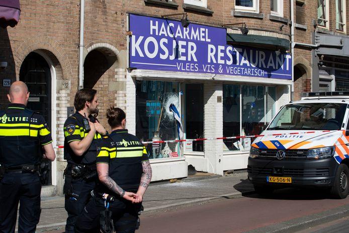 Restaurant HaCarmel na de vernieling in mei 2020.