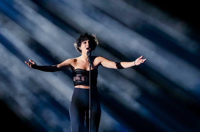 Barbara Pravi met het nummer Voila tijdens de finale van het Eurovisie Songfestival 2021.