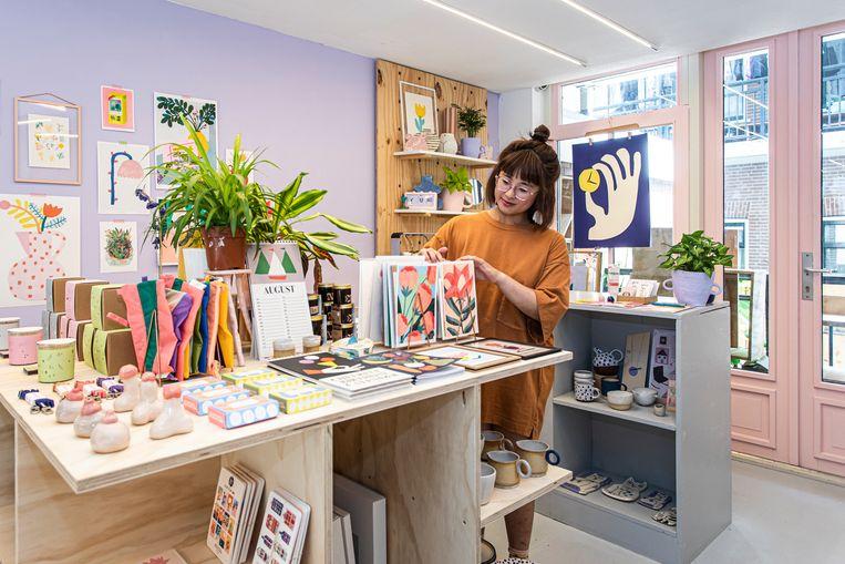Pansy is een nieuwe winkel annex werkplaats in de Czaar Peterstraat. Drijvende kracht is de uit Australië afkomstige Alina Tang. Beeld Dingena Mol