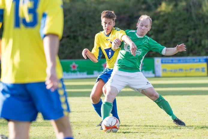 Menno de Nooijer (rechts) was de afgelopen twee jaar met De Meeuwen succesvol tijdens de Borsele Sloepoort Cup.