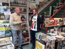 Rinus Israël ontvangt eerste exemplaar 'Ons Feyenoord'