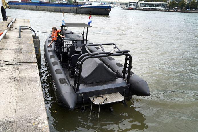 De RIB-speedboot.