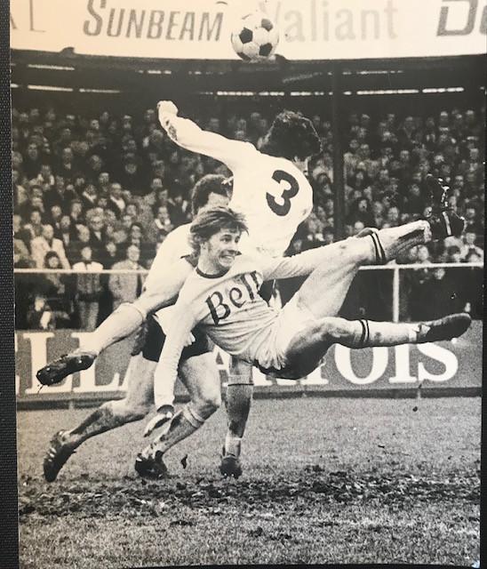Marc De Mulder volop in actie. Knieblessures maakten een vroegtijdig einde aan zijn tijd als speler.
