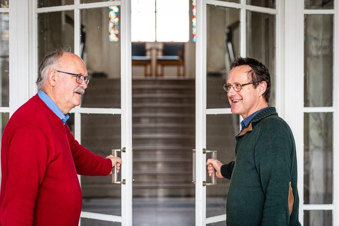 Jaap Hoogendoorn (L) en Iwan Szomoru, coördinator van de Nieuwe Muziekschool.
