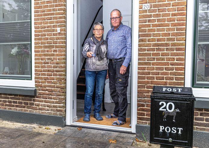 'De bank' wilde het pasje van Gerda en Gerard Strijdveen even komen ophalen omdat er mogelijk sprake was van fraude.