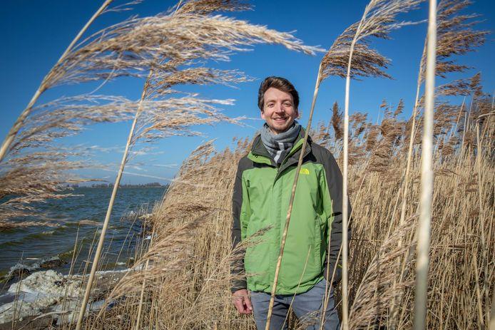 """Roeland van de Vijsel: ,,Nu we weten wat voor rol algen spelen, kunnen we kijken of we in nieuwe gebieden algenmatten kunnen aanplanten of de geulvorming op gang kunnen brengen."""""""