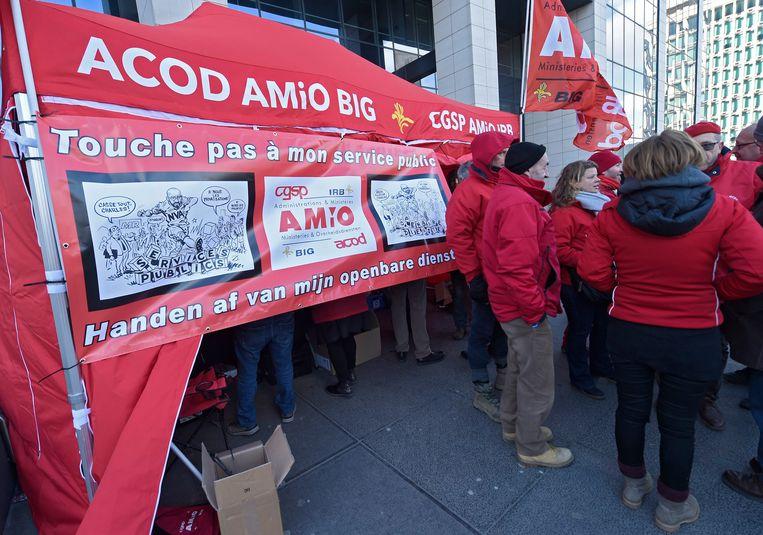 Staking van de socialistische overheidsvakbond ACOD tegen de regeringsplannen met de zware beroepen eerder dit jaar. Beeld Photo News
