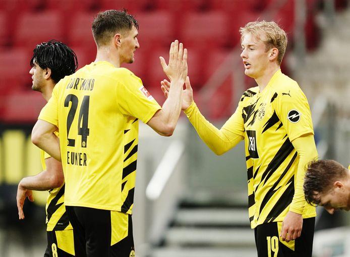 Après avoir remporté la Coupe jeudi, le Borussia sécurise sa place dans le top 4.