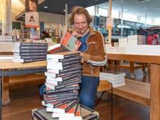 Signeersessie zónder een praatje met zijn fans voor schrijver Frank Westerman in Goes