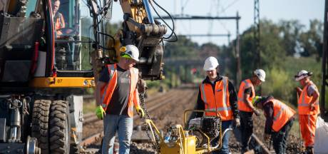 Geen treinen en omrijden, want ProRail werkt aan spoor tussen Almelo en Deventer