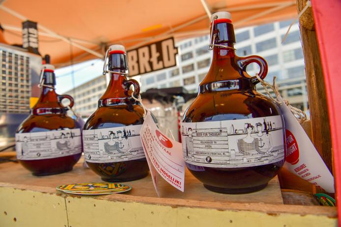 Speciaalbierenfestival op het Ketelhuisplein in Eindhoven.